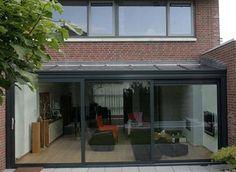 Afbeeldingsresultaat voor achtergevel serre aanbouw glas Conservatory, Cabin, Loft, Outdoor Decor, Extension Ideas, Home Decor, Gardens, Balcony, Sunroom Dining