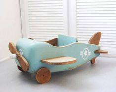 Wooden Projects, Wood Crafts, Baby Pictures, Baby Photos, Wooden Airplane, Accessoires Photo, Kids Wood, Baby Boy Rooms, Wood Toys