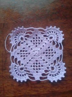 Transcendent Crochet a Solid Granny Square Ideas. Inconceivable Crochet a Solid Granny Square Ideas. Crochet Square Patterns, Crochet Blocks, Basic Crochet Stitches, Doily Patterns, Crochet Squares, Thread Crochet, Filet Crochet, Crochet Motif, Crochet Designs