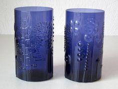 Oiva Toikka. Oiva Toikka (born in Carelia 1931) is a highly respected Finnish glass designer. Color: Dark Blue.   eBay!