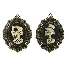 Shop for the Assorted Skull Photo Frame By Ashland® at Michaels Halloween Wall Decor, Fall Halloween, Halloween Decorations, Halloween 2019, Halloween Party, Halloween House, Halloween Ideas, Skull Wall Art, Skull Decor