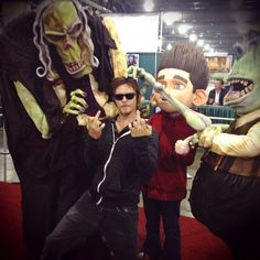 #08 People in costumes who get too close and mess with you. #IssuesNormanReedusDoesntGiveAF&%$About