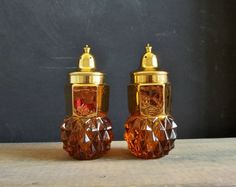 Vintage Salt & Pepper Shakers Set 24K Gold Plated Lid Diamond Point Indiana Glass Made in USA Mid Century Kitchen Hollywood Regency Amber