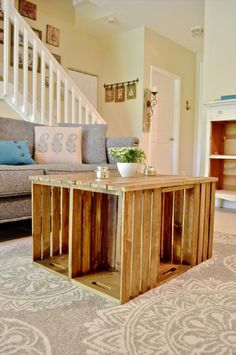 25 Vintage DIY Coffee Table Ideas: Pallet Coffee Table with Crate Sides ~ I really like this idea. Check out the other ideas.love the one you stained it darker to give that 'rich looking wood' show through. Diy Casa, Diy Coffee Table, Diy Table, Coffee Table Made From Crates, Diy Pallet Furniture, Wooden Furniture, Furniture Design, Diy Holz, Wood Crates