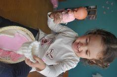 Essa boneca é da minha infância. Fiz todas as roupinhas de croché a partir de 8 anos. Com o tempo guardei e disse que iria dar pra minha filha. Eu sabia que ela viria...Sonhos se realizam!