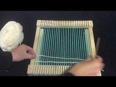 Como urdir en Telar : Tapiceria Punto básico y uso de 2 colores - YouTube Fabric Manipulation Techniques, Weaving Techniques, Crochet Lampshade, Arts And Crafts, Paper Crafts, Weaving Projects, Macrame Tutorial, Loom, Wicker