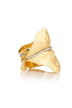 Ole Lynggaard Copenhagen Large Leaf Ring with Diamonds in Yellow Gold LaPrendo