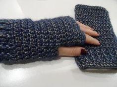 Tutorial: manicotti o guanti senza dita Crochet Mittens, Fingerless Mittens, Love Crochet, Knit Crochet, Macrame Tutorial, Crochet Videos, Loom Knitting, Arm Warmers, Pattern