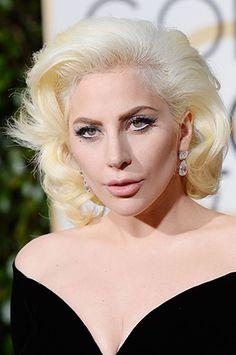 La alfombra roja de los Golden Globe siempre es un lugar donde se marca tendencia tanto en moda como en belleza, con glamorosos looks...