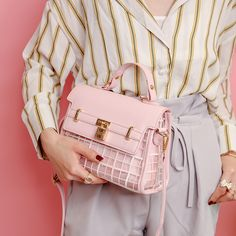 2017 Bolsas Femininas Shoulder Bag Ladies Summer Retro Clear Transparent Handbag Sweet Jelly Beach Bag Candy Color bags 403. Yesterday's price: US $25.70 (21.11 EUR). Today's price: US $17.99 (14.65 EUR). Discount: 30%.