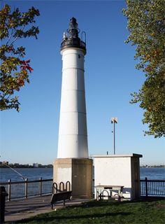 Windmill Point Lighthouse, Michigan at Lighthousefriends.com