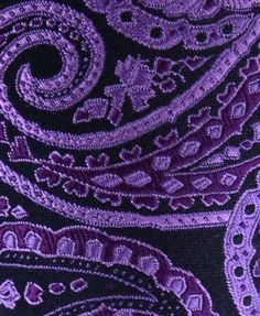 purple paisley. supreme! i want it just like this, only big, on my wall.