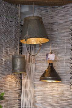 Lámparas creadas a partir de objetos reciclados creados por la creativa Chus Cano