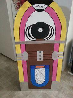 Jukebox out of cardboard