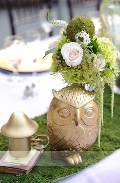 Owl inspired wedding table setting