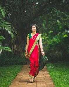 Indian Wedding Photography Poses, Girl Photography Poses, Marathi Bride, Marathi Nath, Beautiful Girl Indian, Beautiful Girl Image, Maharashtrian Saree, Kashta Saree, Nauvari Saree