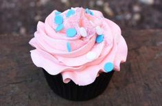 These cupcakes would be good for a baby shower in my opinion... :)