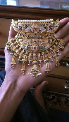 Wow aad by Dulhan Jewellers Pali 9828283403 Real Gold Jewelry, Royal Jewelry, Gold Jewellery, Bridal Jewellery, Indian Jewelry Sets, Indian Wedding Jewelry, Indian Bridal, India Jewelry, Rajputi Jewellery