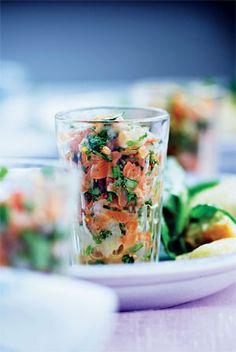 Tatar af helleflynder og laks | Mad & Bolig Starters, Potato Salad, Shrimp, Fish, Ethnic Recipes, Drinks, Inspiration, Drill Bit, Cilantro