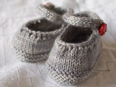 tiny lil shoes wish the pattern was free!