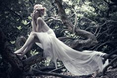 forest fairy; beautiful crown and long white tulle dress; pinned from☆ Alternative Purple ☆彡