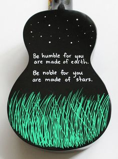 Items similar to Hand-Painted Ukulele With Lovely Proverb on Etsy Black Mahalo ukulele hand painted. I love this quote! Mahalo Ukulele, Ukulele Art, Ukulele Songs, Guitar Art, Violin Tumblr, Painted Ukulele, Ukulele Design, Art Tumblr, Under Your Spell