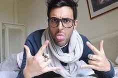 Marco Mengoni iBook si racconta e #prontoacorrereilmioviaggio su iTunes