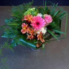 #fleurs #flowers #bouquet #design #modern #wood #pink #creative #create #love #designer #floraleinc #florist #fragrant #florale #interior #beautiful #beauty #pretty #concept