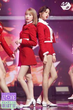 "MPD(엠피디) on Twitter: ""볼 때마다 느끼지만 꾸라는 진짜 빨간색이 찰떡🍒🍓🍎🌹❤ #IZONE #아이즈원 #HEART_TO_HEARTIZ #HEARTIZ #M2 #엠투… "" Sakura Miyawaki, Girls In Mini Skirts, Music Channel, Japanese Girl Group, Kpop Fashion Outfits, Korean Outfits, My Muse, Kim Min, Korean Music"