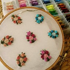 No photo description available. Simple Embroidery Designs, French Knot Embroidery, Pearl Embroidery, Hand Embroidery Projects, Hand Embroidery Videos, Floral Embroidery Patterns, Embroidery Suits Design, Hand Embroidery Flowers, Hand Work Embroidery
