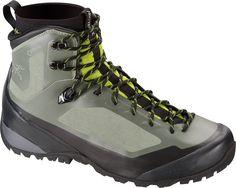 S15-Bora-Mid-GTX-Hiking-Boot-Tundra-Reed-Green.jpg (1600×1276)