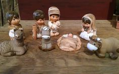 Incan Nativity set made in Peru 8 adorable hand painted pieces (Item 1800)