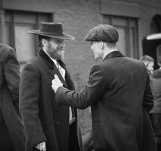 ( ・・・ Tom Hardy and Cillian Murphy in conversation on set of Peaky Blinders 📷 Tom Hardy, Peaky Blinders Series, Cillian Murphy Peaky Blinders, Boardwalk Empire, Cillian Murphy Tommy Shelby, Alfie Solomons, Margaret Atwood, Series Movies, Tv Series