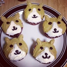 OH GOD - Corgi cupcakes. Someone needs to make these for me, but in black like my pup