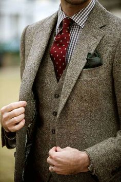Tweed three piece with paisley lining. Gingham shirt, pocket square.