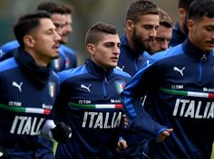Marco Verratti of Italy looks on during the training session at Milanello on November 14, 2016 in Florence, Italy.