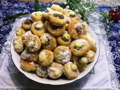 Recept mám od svojej kamarátky Marienky a tá ich má od známej Martinky. Sú to také koláčové jedno-hubky, ktoré sa priam rozplývajú na jazyku. Baked Potato, Potato Salad, Picnic, Cheesecake, Potatoes, Baking, Sweet, Ethnic Recipes, Hana