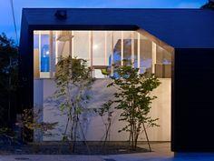 47% House by Kochi Architect's Studio | HomeDSGN