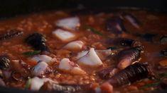 Arroz caldoso de pulpo y percebes - LOS HERMANOS  TORRES Risotto, Recipes With Rice, Octopus, Siblings, Cook, Hacks, How To Make, Iron