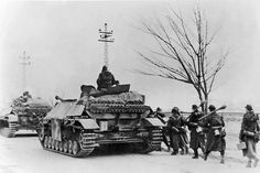 """bmashina: """"A column of German infantry and SAU - tank destroyer JagdPz (other designation Sd Kfz moving on the road in Eastern Prussia. Part of the German infantry armed with rocket launchers """"Panzerfaust"""" (Panzerfaust The. Jagdpanzer Iv, Army Vehicles, Armored Vehicles, Luftwaffe, Tiger Tank, Tank Destroyer, Ww2 Photos, Armored Fighting Vehicle, Ww2 Tanks"""