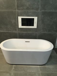 Provenza dust grey vloertegels en dust black wandtegels 80x80 cm Grey Bathrooms, Bathtub, Black, Provence, Building Homes, Bathrooms, Bathing, Standing Bath, Black People