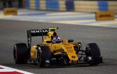 Renault rămâne fără şef de echipă înaintea sezonului 2017: Frederic Vasseur a demisionat şi nu va avea înlocuitor