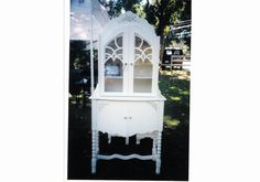 Vintage painted china cabinet shabby chic custom painted furniture #vintagefurniture #shabbychic #paintedfurniture