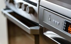These electrical stove repair tips are all you need to keep your cooktop burning. The post 6 Practical Electric Stove Repair Tips From the Pros appeared first on ELMENS. Kitchen On A Budget, New Kitchen, Kitchen Decor, Kitchen Chairs, Kitchen Craft, Smart Kitchen, Kitchen Modern, Kitchen Things, Kitchen Items