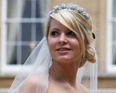 bridal hair with tiara and veil