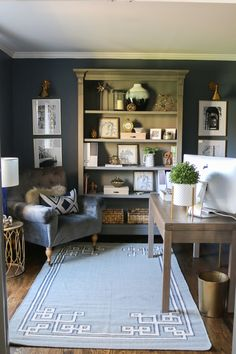 A pretty home office makeover filled with easy DIY projects that make a big impact. This office transformation has a navy, grey, and natural decor style and functional office storage ideas. Home Office Design, Home Office Decor, Diy Home Decor, Office Ideas, Library Design, Office Designs, Design Desk, Office Decorations, Office Chic