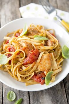 Chicken Cacciatore With Fatback http://www.pauladeen.com/recipes/recipe_view/chicken_cacciatore