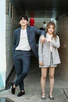 "Ji Chang Wook y Nam Ji Hyun en el set de ""Suspicious Partner"" Ji Chang Wook Smile, Ji Chan Wook, Korean Actresses, Asian Actors, Actors & Actresses, K Drama, Drama Film, Cnblue Jung Yong Hwa, Suspicious Partner Kdrama"