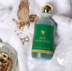 This gentle, moisturizing bath and shower gel, rich in pure aloe vera gel, will soothe away your cares. Forever Living Aloe Vera, Forever Aloe, Forever Living Business, Herbal Extracts, Forever Living Products, Aloe Vera Gel, Shower Gel, Nail Colors, Herbalism