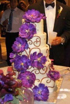 purple cake. Beautiful Cakes, Amazing Cakes, Wedding Dreams, Dream Wedding, Perfect Wedding, Our Wedding, Sweet Sixteen Cakes, Round Wedding Cakes, Purple Food